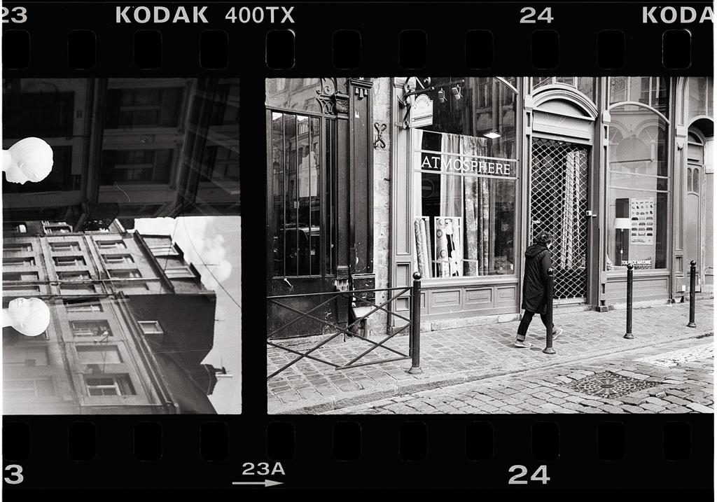 Dans la rue en argentique Kodak Tri-X