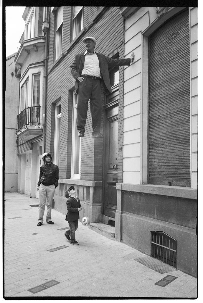 ON PEUT TOUT FAIRE AVEC PHOTOSHOP - PHOTO ARGENTIQUE TRUQUÉE