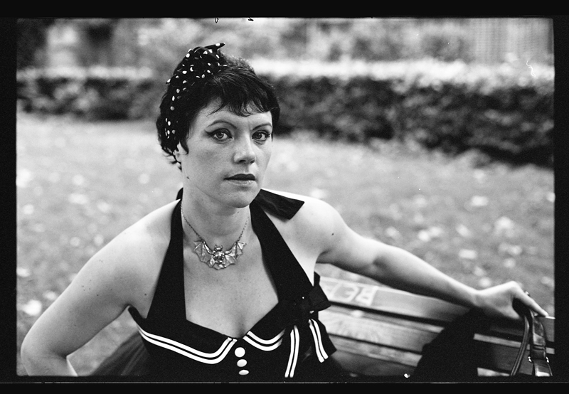 Shooting modèle en noir et blanc argentique Kodak BW400CN