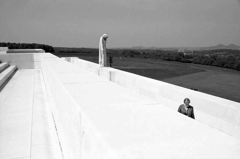 Vimy monument aux morts en noir et blanc argentique