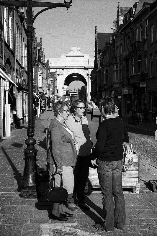 photographie de rue Belgique noir et blanc argenique