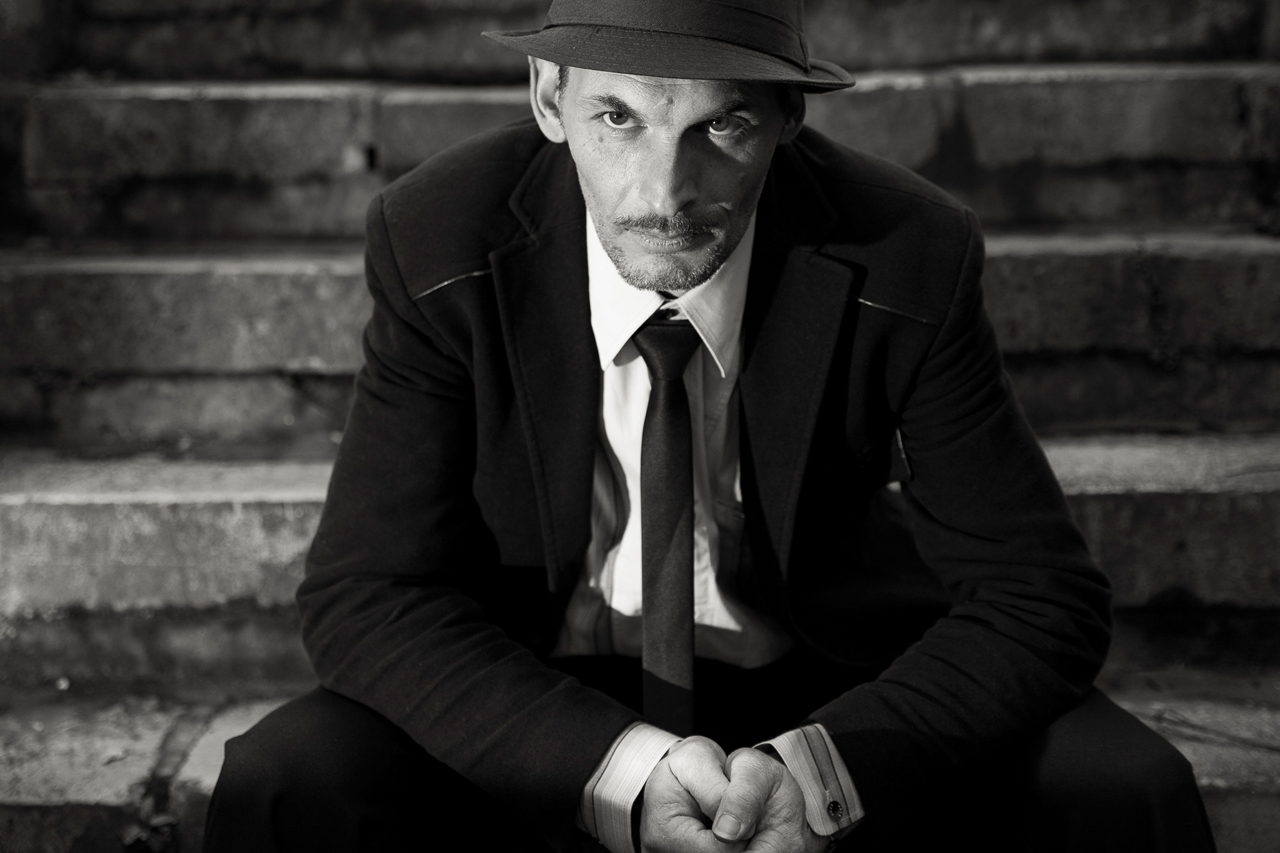 Mode strobist photographie de portrait au flash déporté en extérieur - Photographe Lille