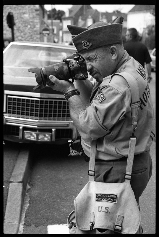 photographe de guerre photo noir et blanc kodak tri-x