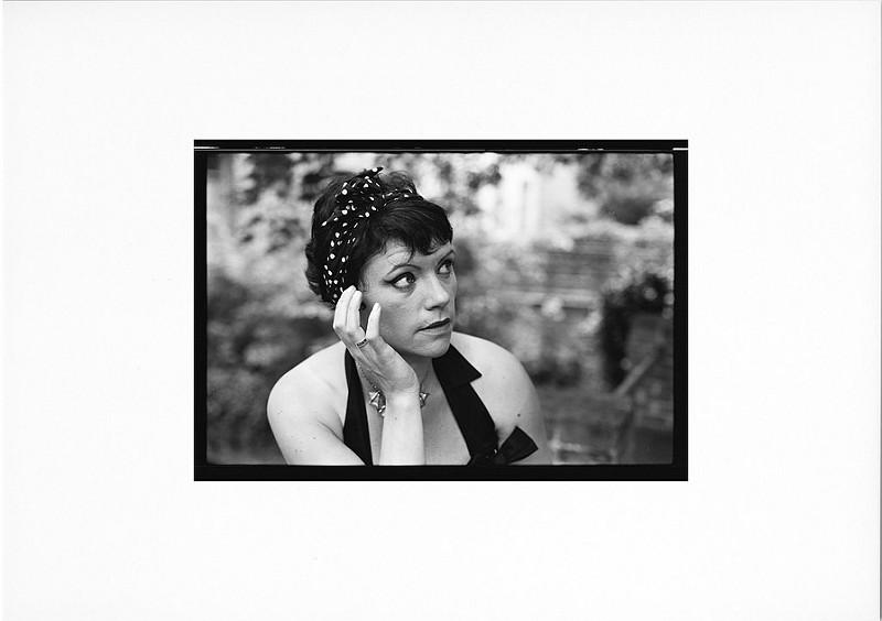 portrait noir et blanc femme style retro lille
