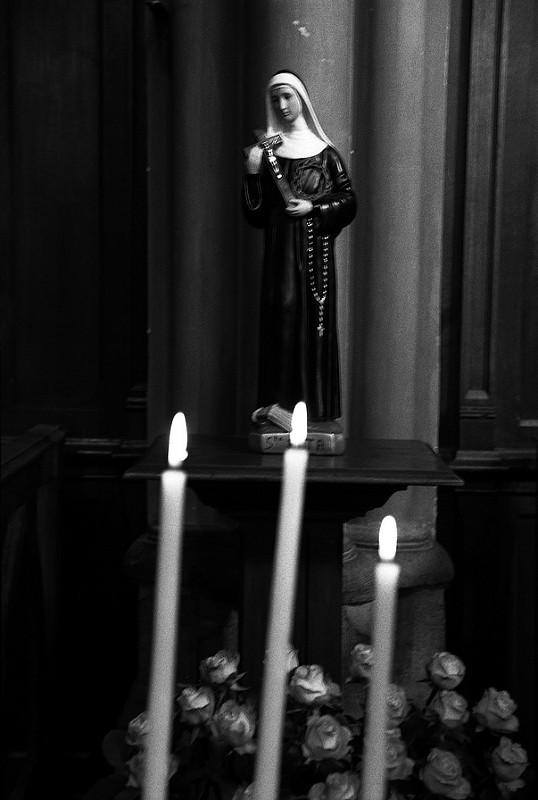 theme-religieux-photo-noir-et-blanc-50mm