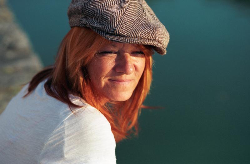 portrait-couleur-argentique-femme-rousse