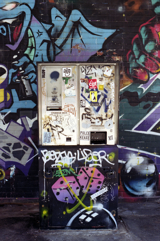 Quel compact ou reflex argentique choisir pour des photos couleur dans la rue Olympus OM