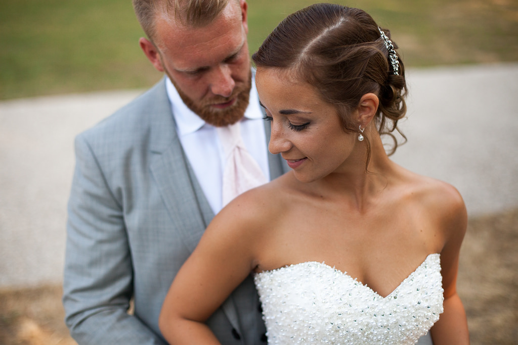 photo couple extérieur mariage 5D MKII et 50 mm