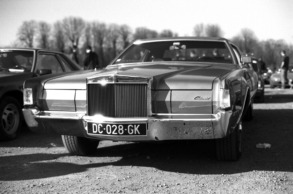 Cadillac-photo-noir-et-blanc-argentique-35-mm