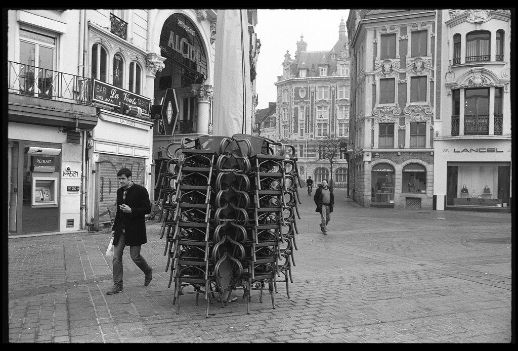 Le rituel du dimanche matin préparation du sac photo argentique parcours photographique dans les rues de Lille
