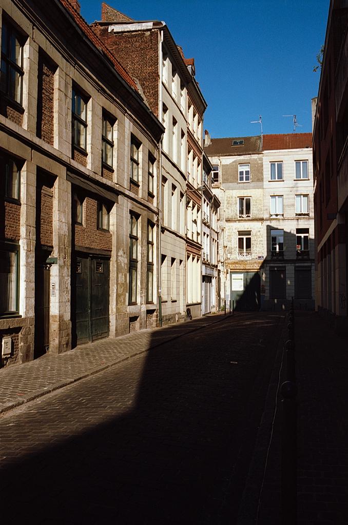 rue ensoleillée Kodak Ektar 100