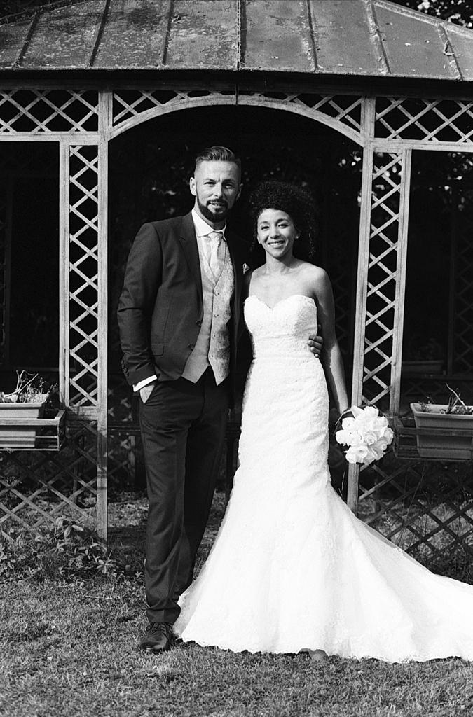 photo de mariage en noir et blanc argentique à Gosnay