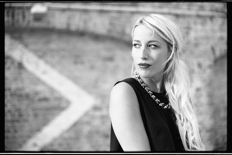 Portrait mode modèle Lille noir et blanc  argentique book photo