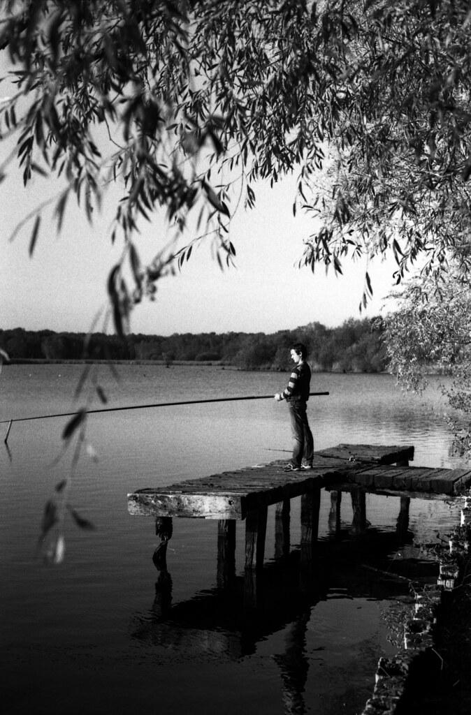 Pêche du dimanche - Photographie noir et blanc argentique