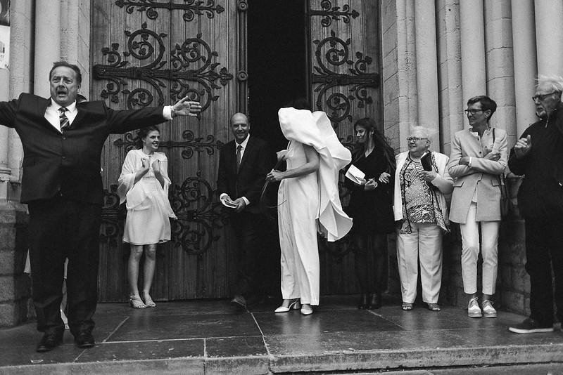 Reportages photos mariages. Images d'actions en noir et blanc.