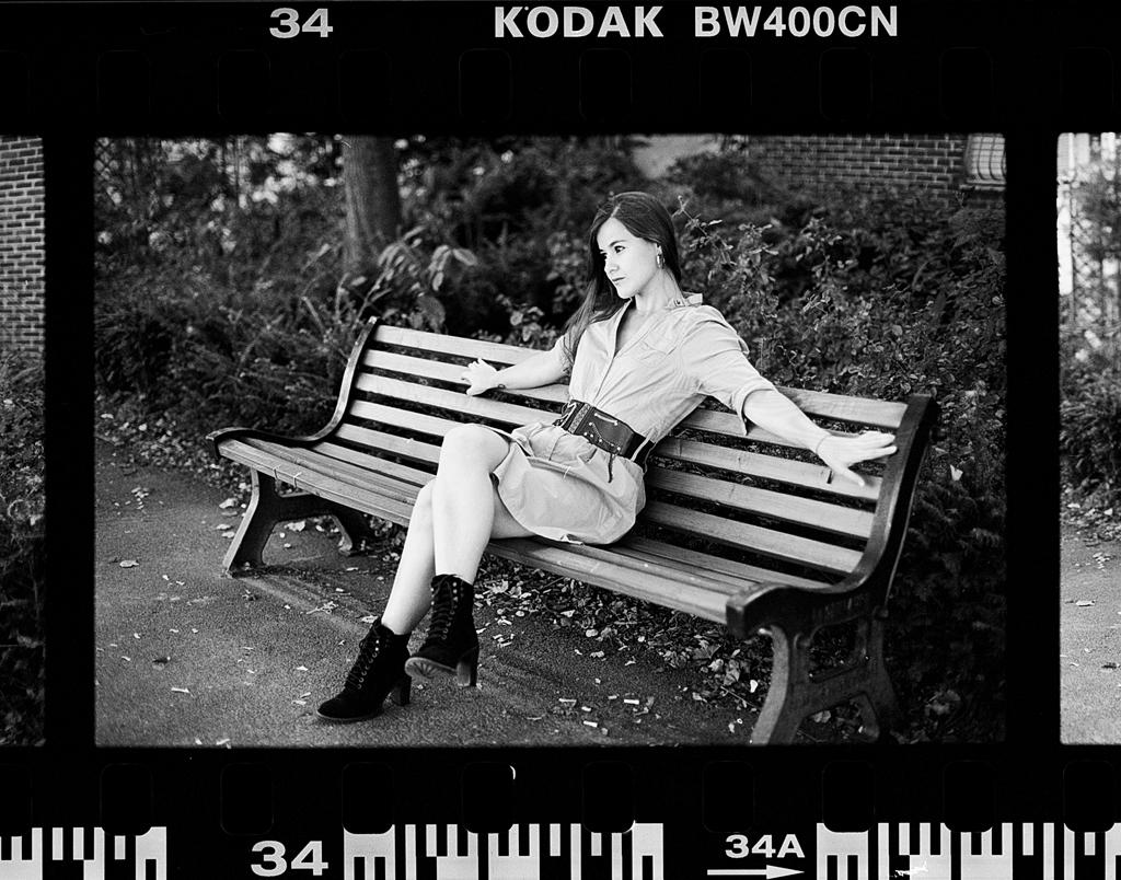 Blog photo argentique Lille. Photographies de portrait sur pellicule noir et blanc.