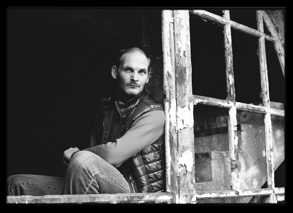 Portrait noir et blanc - Saint andré numérisation négatif photo argentique - Film argentique 35 mm scan express