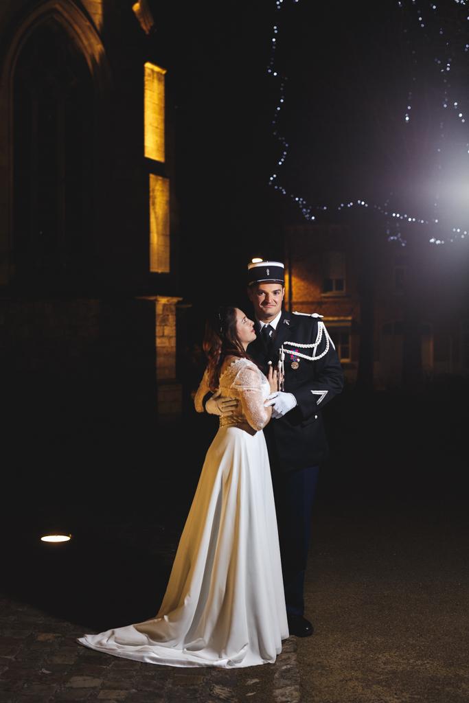 Photo des mariés de Lestrem dans le Pas-de-Calais. Photographie de mariage et univers féerique. Photographe mariage professionnel.
