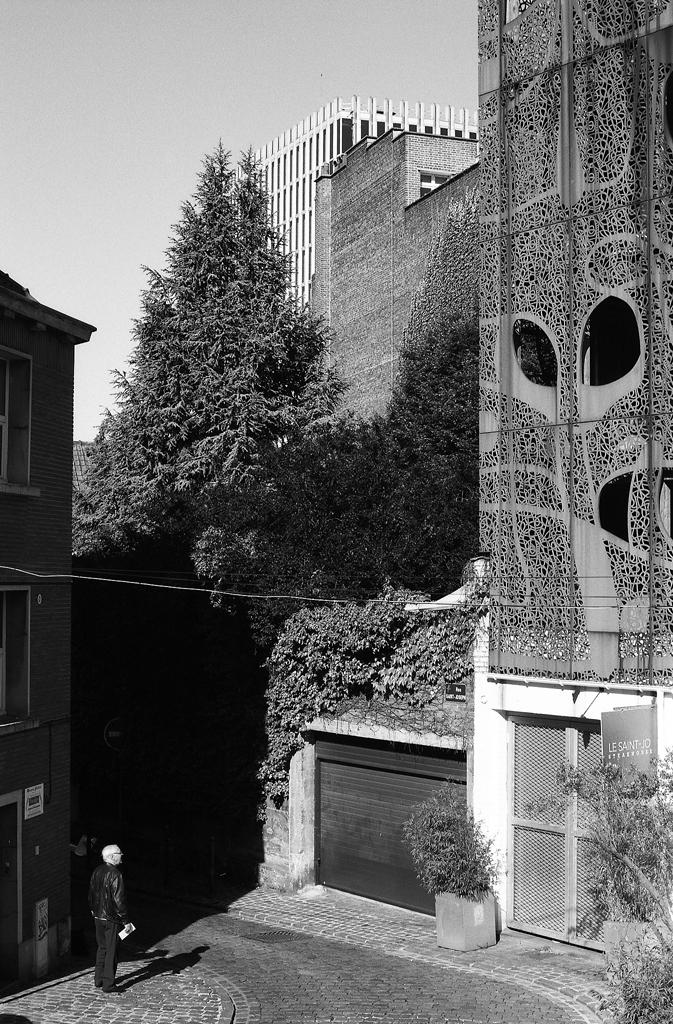 TMAX 100 photo de rue verticale