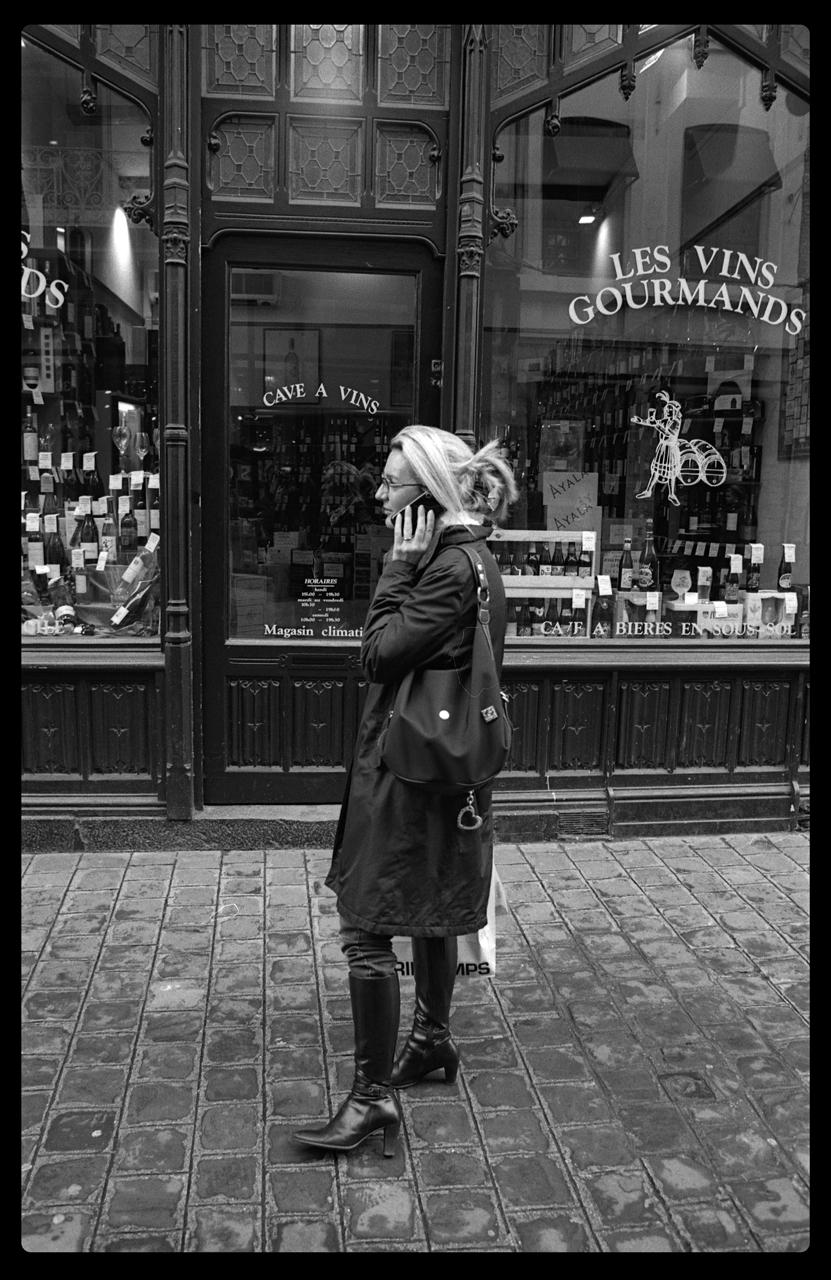 Photographie de rue au grand angle - Noir et blanc argentique