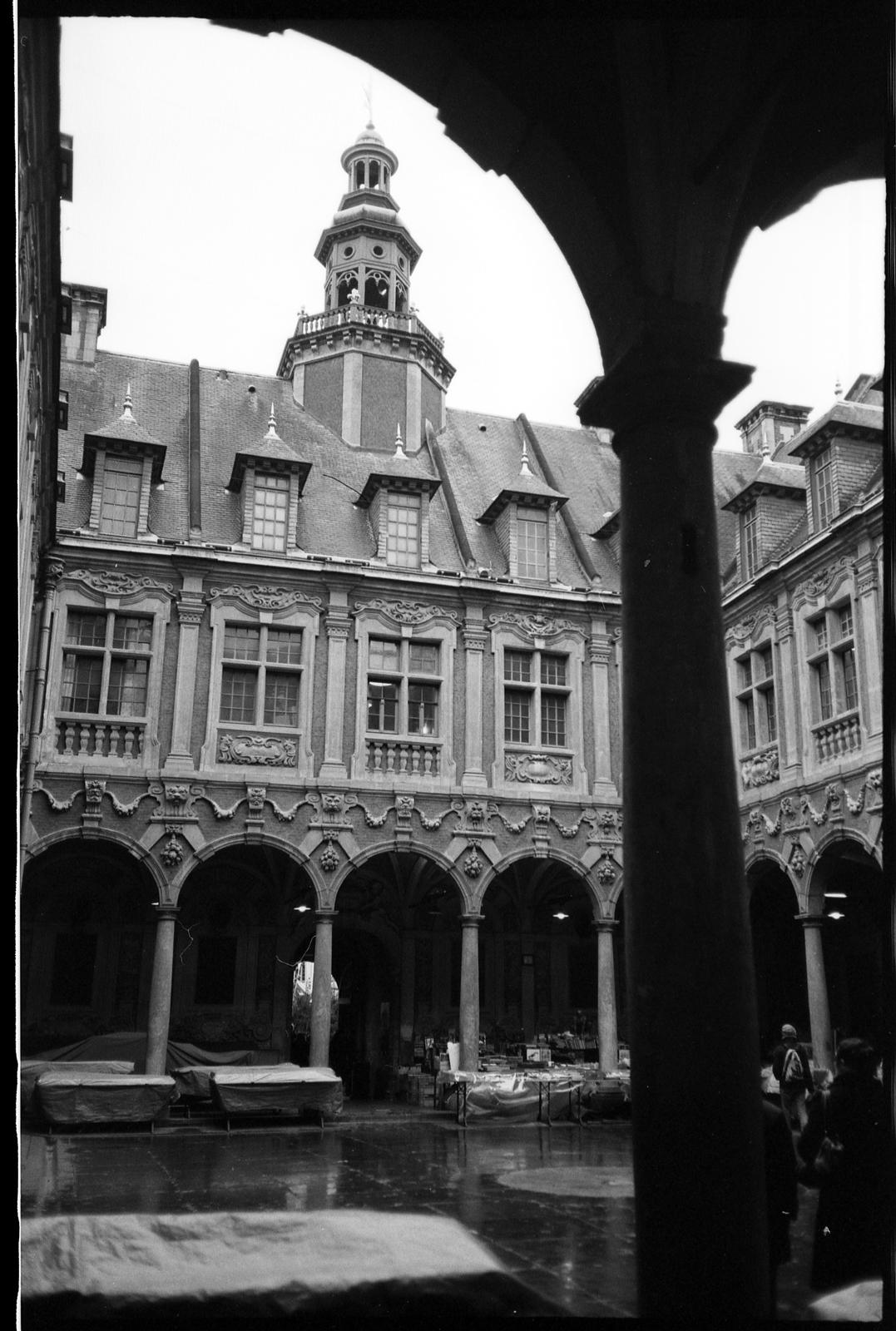 Lille - La Vieille Bourse - MJU II - Kodak TMAX 400