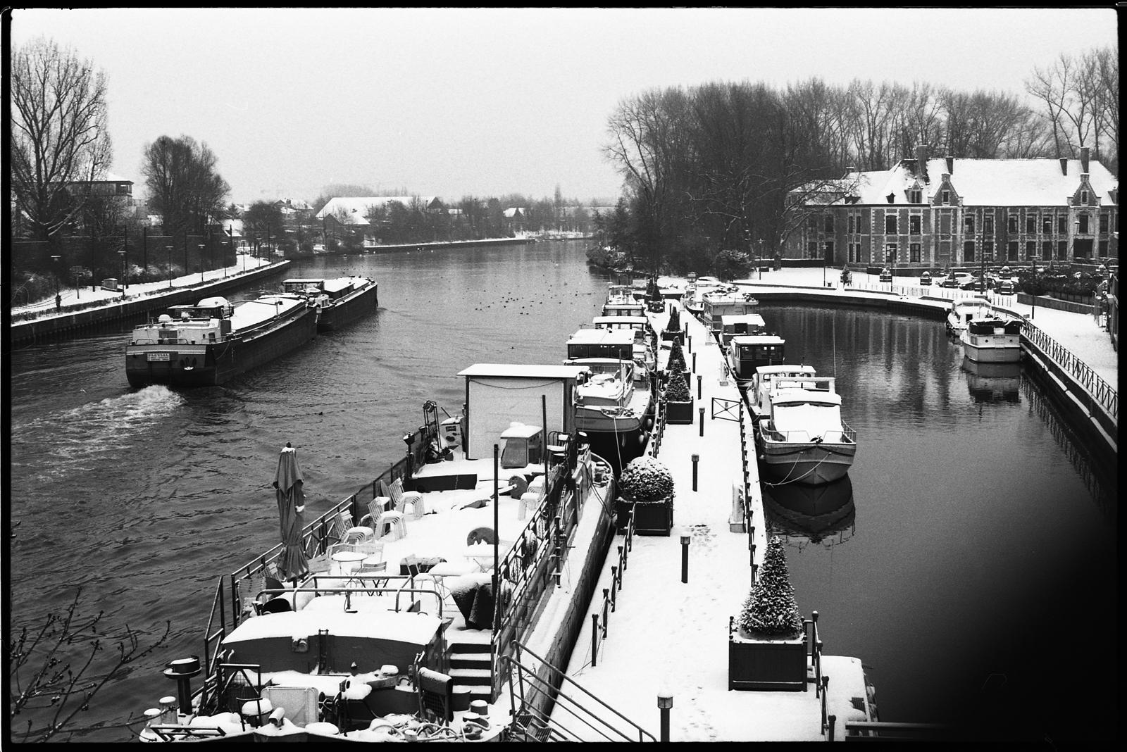 péniches sur le canal de la Deûle