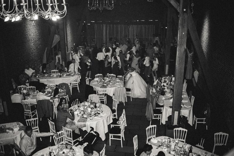 Réception de mariage en noir et blanc argentique à Hem et Marcq-en-Baroeul photo de mariage vintage