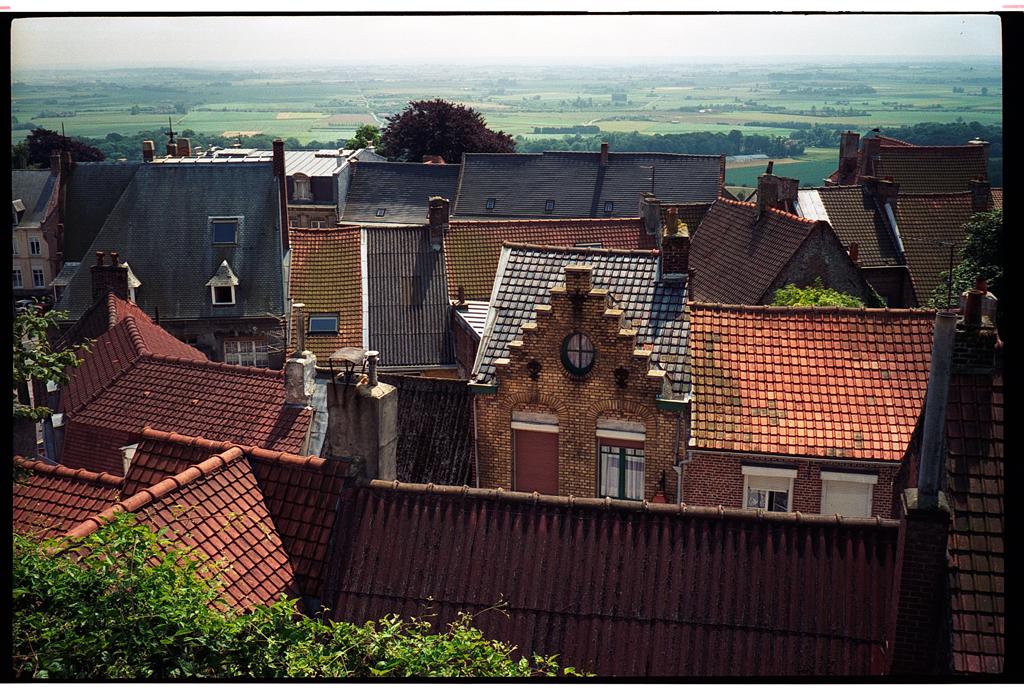 Toîts de Cassel - Tourisme - Photo argentique couleur - Olympus MJU II - analog photo France