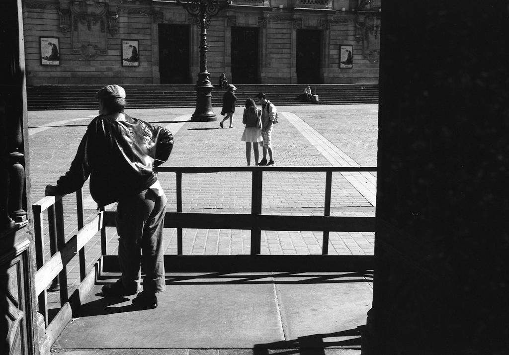 Photographie argentique dans la rue - Pellicule Rollei Retro 80s