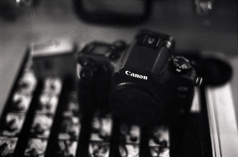 Canon EOS 30v argentique en panne.