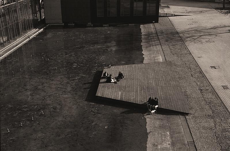 Pellicule Kentmere en test à Lille photographies de rue en noir et blanc argentique.