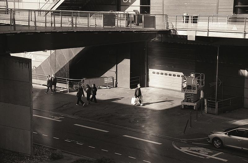 Essais dans la rue avec le film noir et blanc Kentmere 100